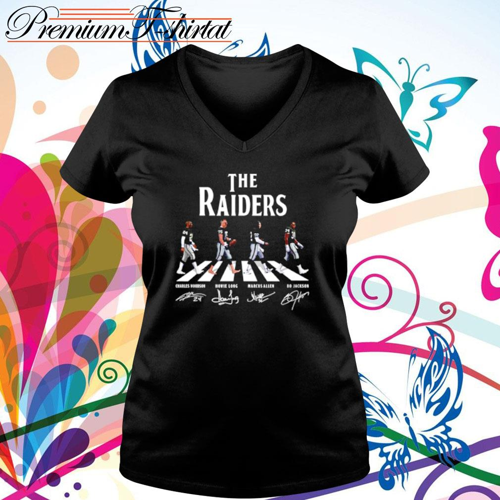Abbey Road The Raiders signatures s v-neck t-shirt